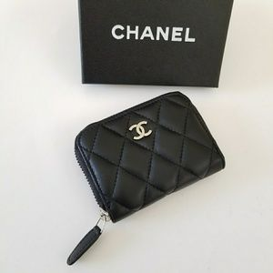 Authentic CHANEL vip gift coins pouch.